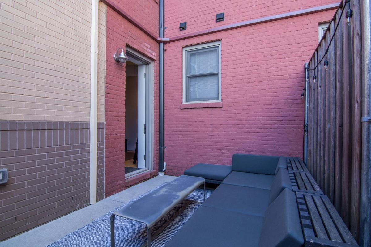 2 Bedrooms, Condominium, Featured Properties, Swann Street NW #A, 2 Bathrooms, Listing ID 1071, Washington, DC, 20009,